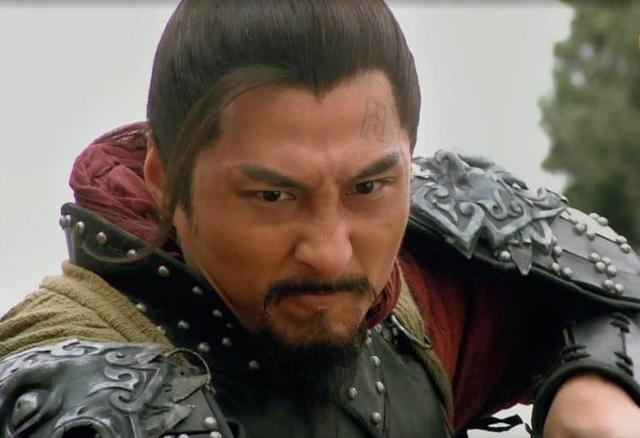 高俅被捉上梁山,林冲对他怒目而视,是谁阻止了林冲报仇?