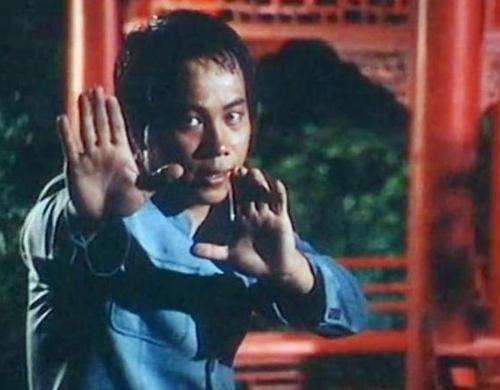 梁小龙的传奇人生,和他娶到的两个重要女人