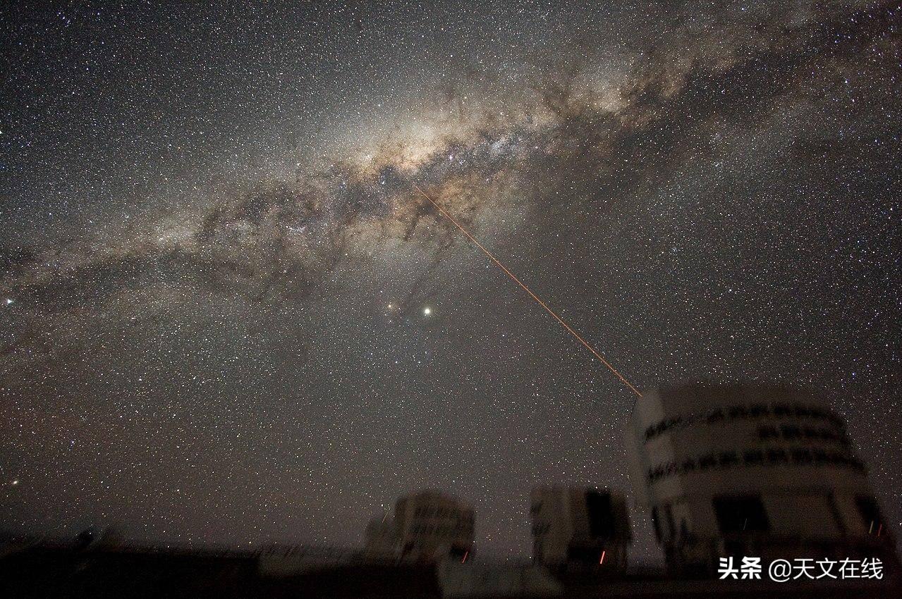拥有超过一千个传感器,这款照相机可扫描寻找外星生命