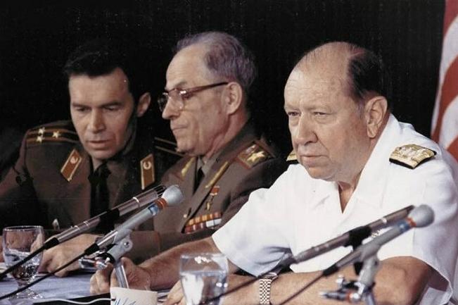 苏联元帅曾要求武力镇压叶利钦:对祖国不忠之人,就该被彻底消灭