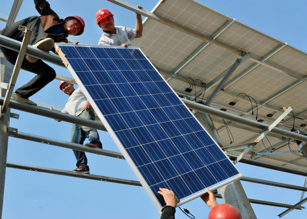 光伏发电发展迅速,行业前景一片光明