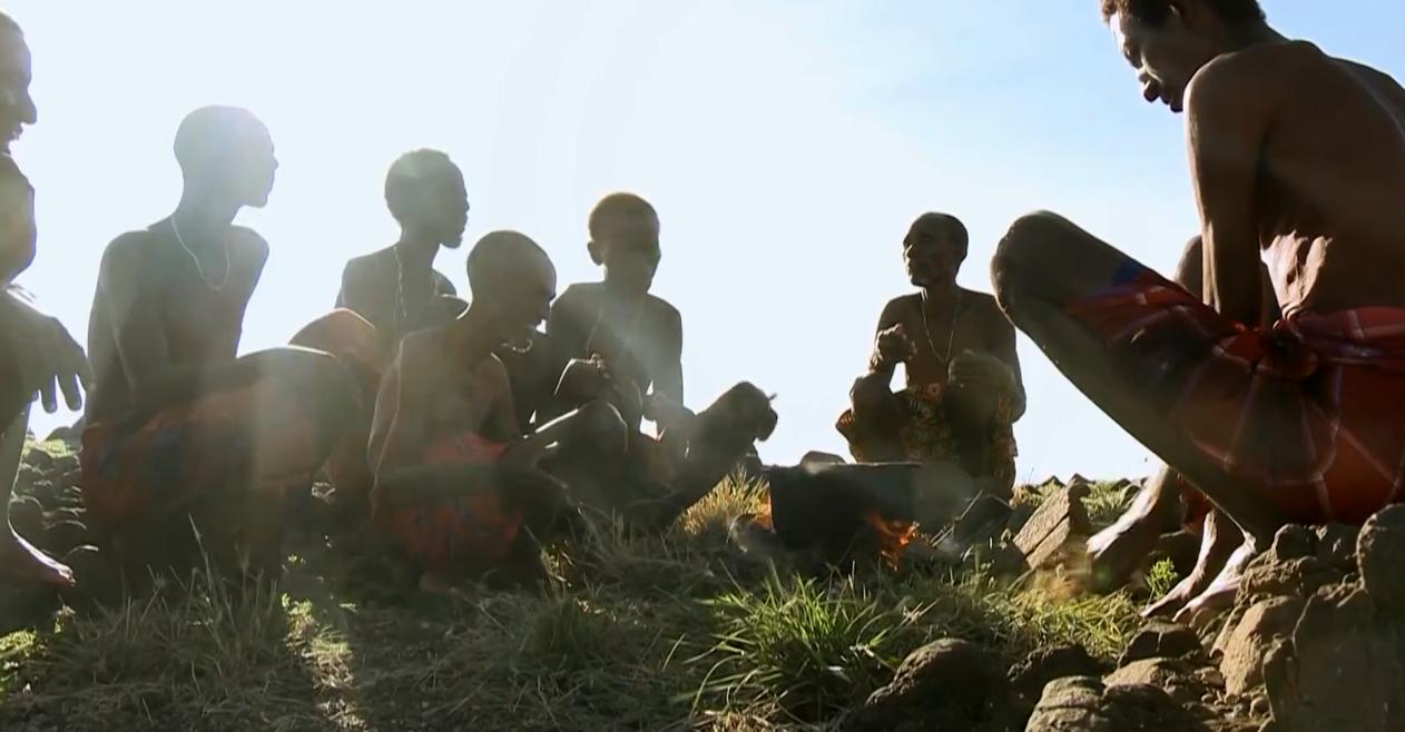 只吃鱼的非洲部落,没鱼就捕杀鳄鱼吃,从不吃其他的