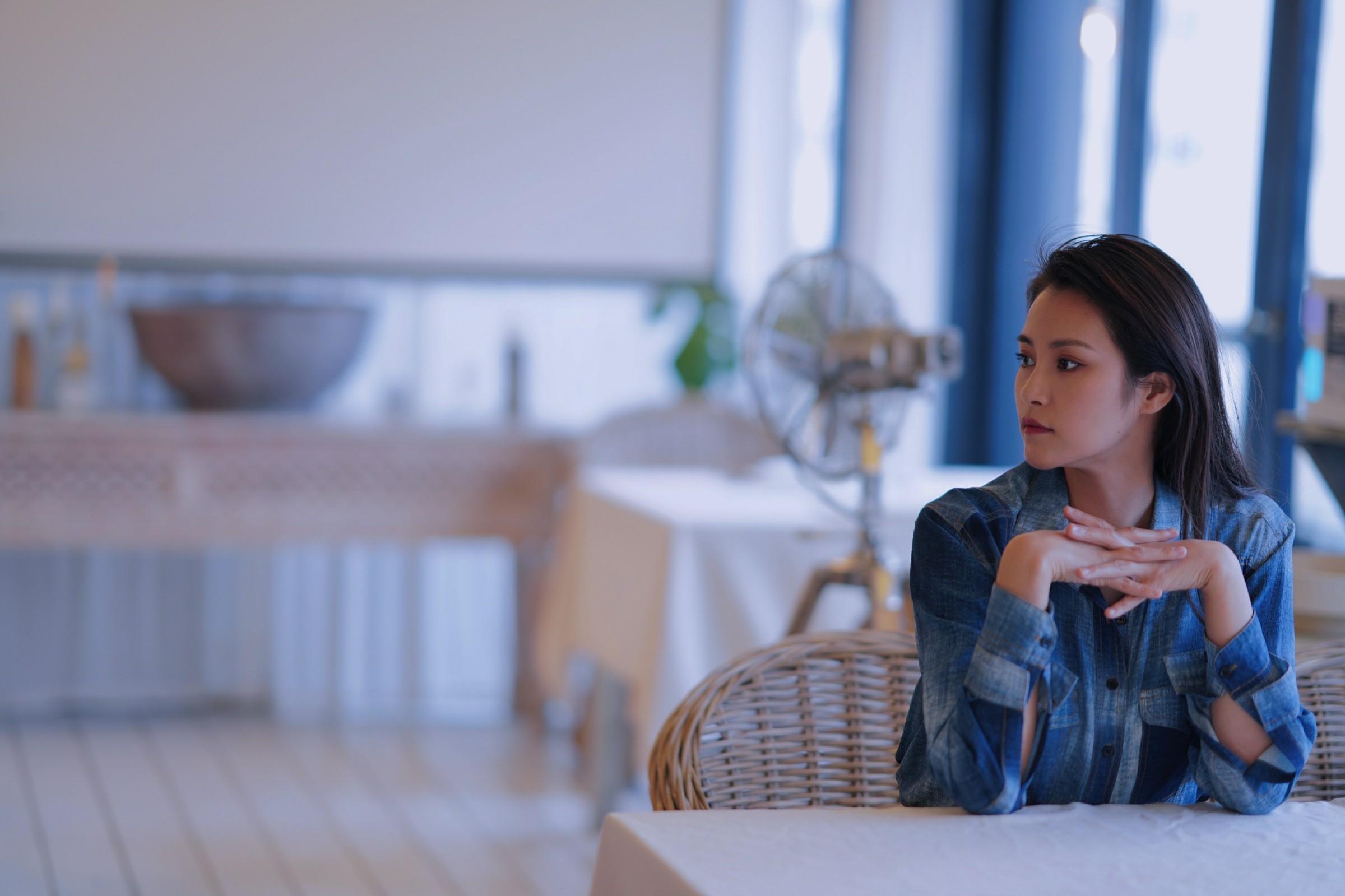 演员田蕾希新写真释出 诠释演员的多重魅力