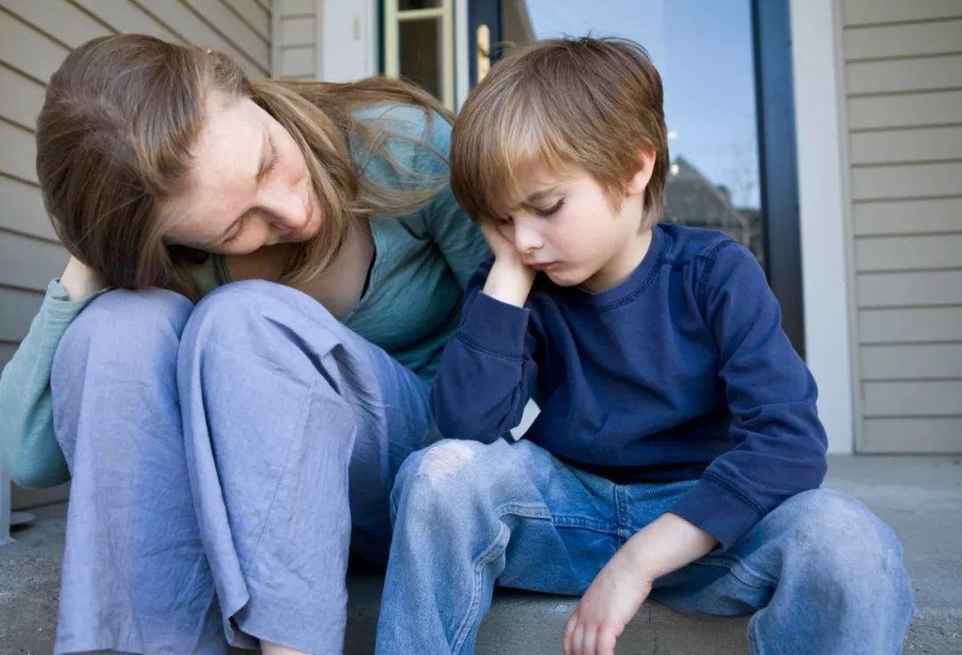 """""""为什么我们家这么穷?""""孩子的这一问题不好好回答,将来很吃亏"""