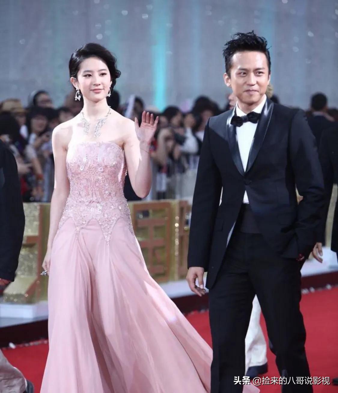 跟男演员从来没有CP感的刘亦菲,站在邓超旁边竟然配一脸?