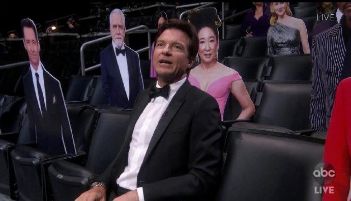 史上最孤独艾美奖现场 主持人吉米面对纸片人自说自话
