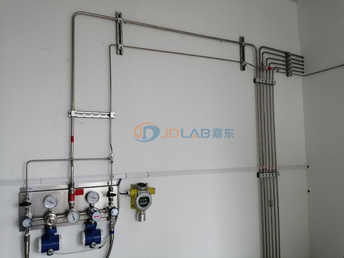 高纯气体输送系统中气体与管道的关系