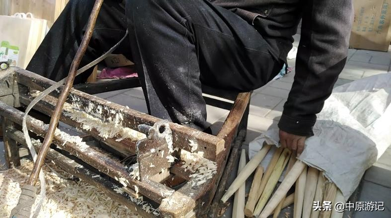 擀面杖用什么木头最好(擀面杖木材排名)