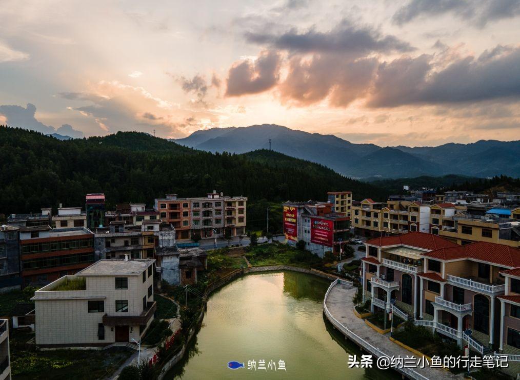 看看湖南隆回的农村有多富?家家户户住别墅,村子如公园