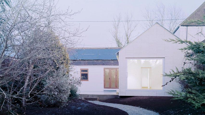 在肯特郡的英国建筑师乔纳森·伯洛设计的这座最小的房屋下
