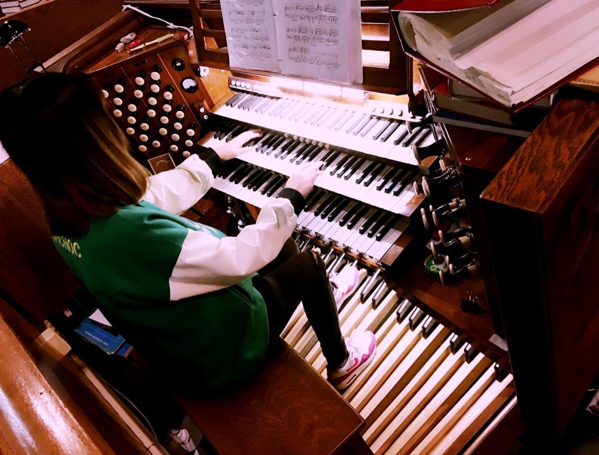 给孩子选择兴趣班,钢琴居然成了垫底,排首位兴趣班让人意外