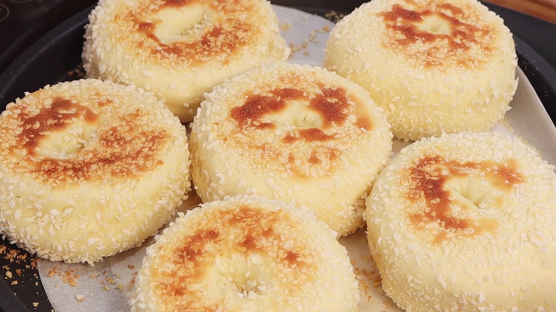 1碗面粉,2个鸡蛋,不蒸不炸也不烤,出锅香甜松软,比面包还香 美食做法 第17张