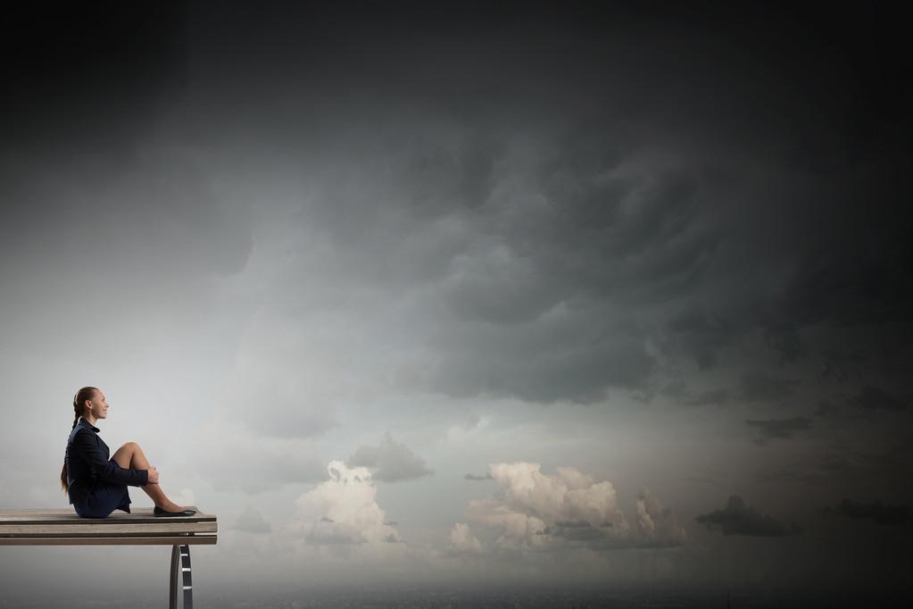张海迪经典句子:每个人的生命都是一只小船,理想是小船的风帆