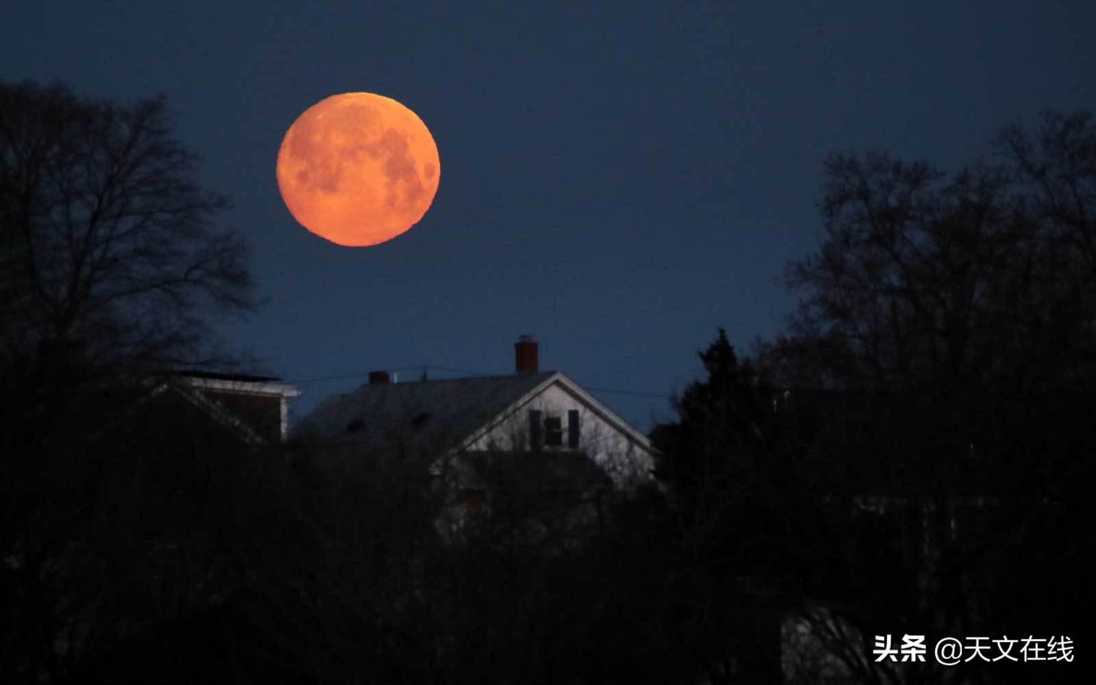 """请定好您的闹钟,今晚,一起欣赏本年度第二近的""""超级月亮"""""""
