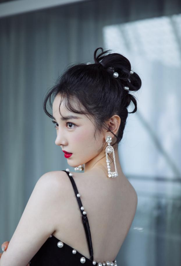 陈小纭加盟《浪姐2》,为取佳绩努力练舞,晒养生针灸照