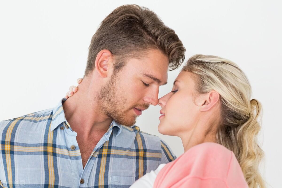 二婚女人,与现任过夫妻生活时,会怀念前任吗?会比较吗?