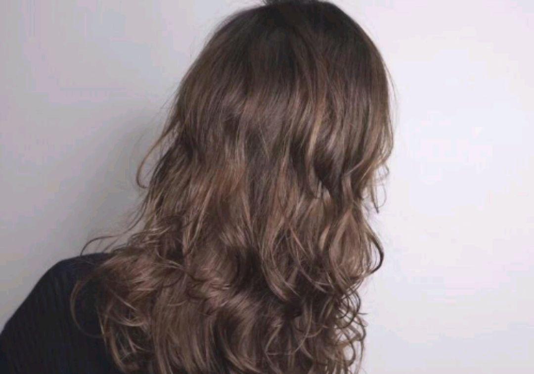 進入秋天后,為何更容易掉頭髮? 若能做到這4點,或許能有所幫助