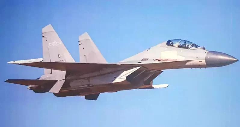 解放军战机大规模巡航台湾,台军事专家研判是航母跨海操演前奏