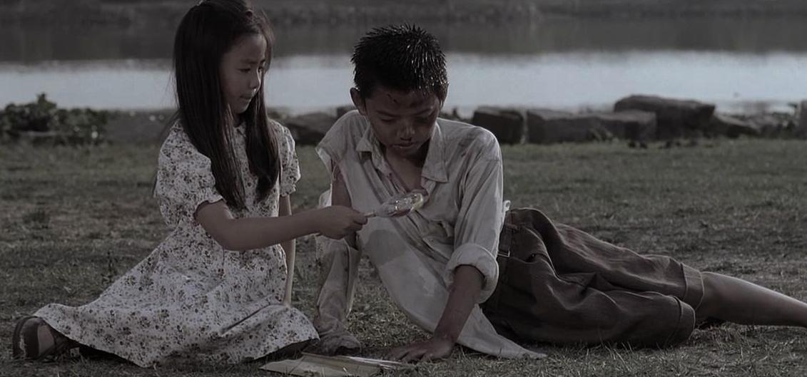 黄圣依在《功夫》中,对着星爷比划的手语啥意思?如今看太讽刺了