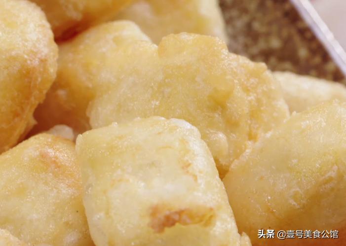 在家教你做椒鹽脆皮豆腐,外脆里嫩,簡單營養,吃一次念念不忘