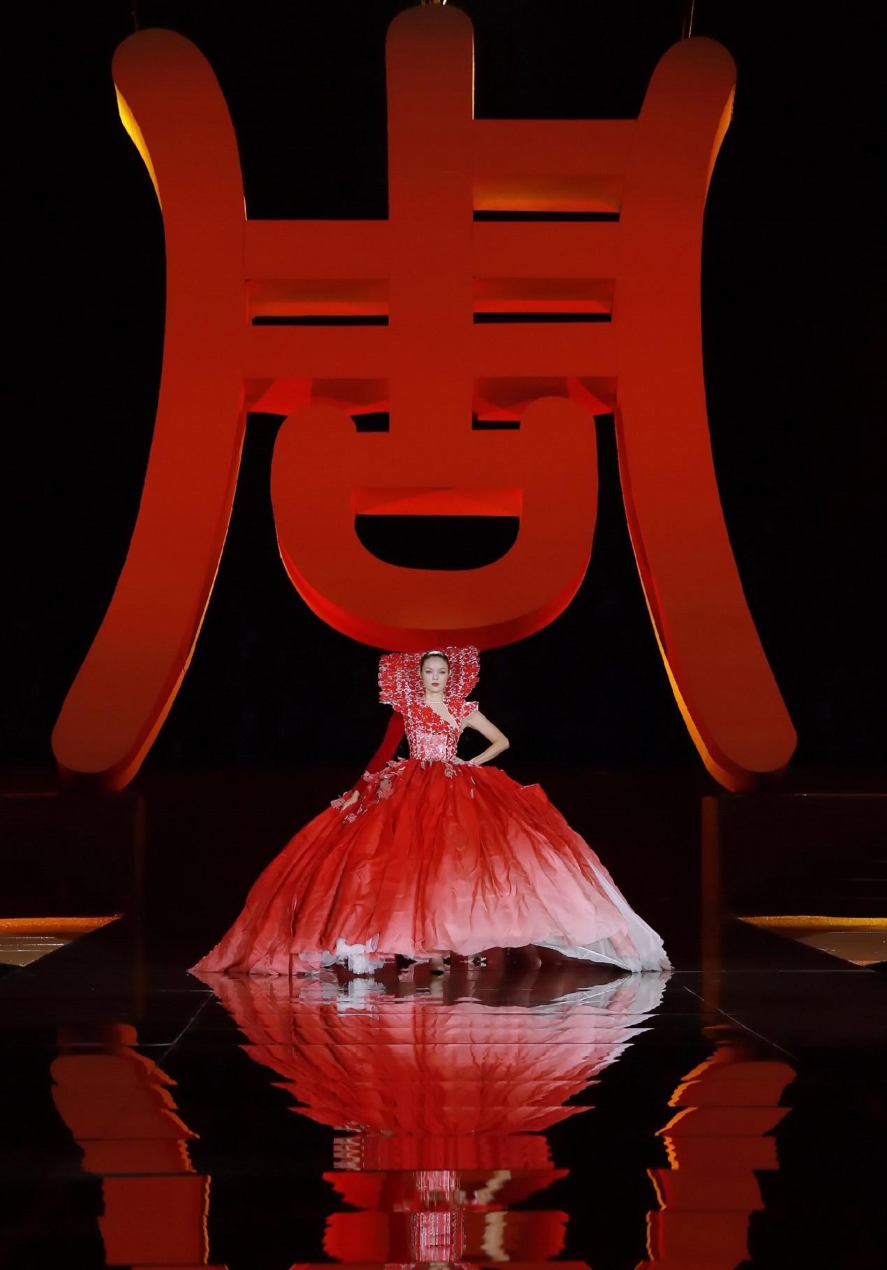 马艳丽携Maryma高定时装秀完美落幕商周大会