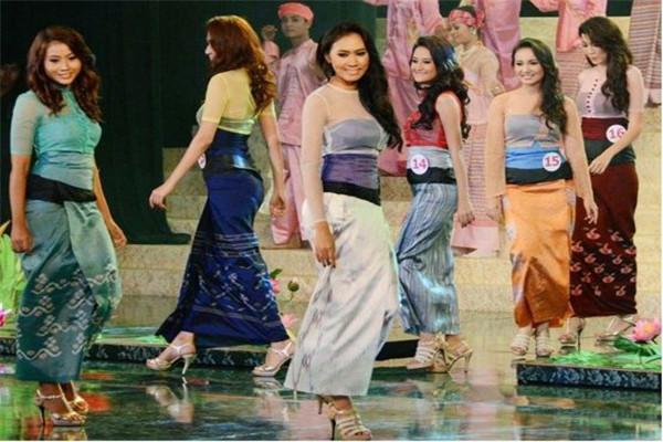 筒裙为啥是缅甸女人的最爱?当她们脱去后,瞬间就明白了