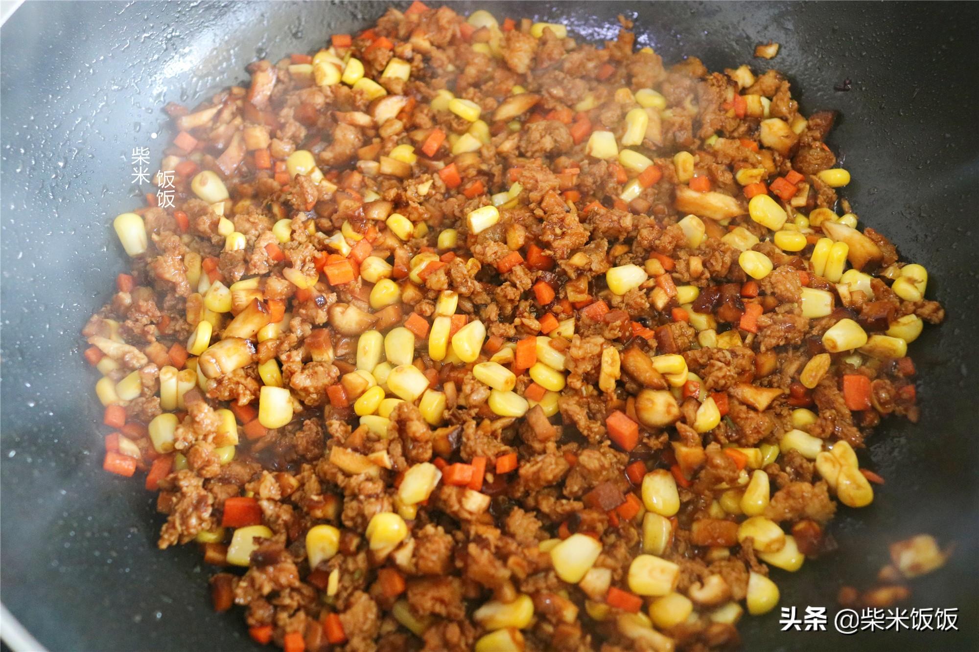 孩子点名要吃的烧麦,做法比饺子简单,一锅蒸33个,凉了也好吃 美食做法 第9张