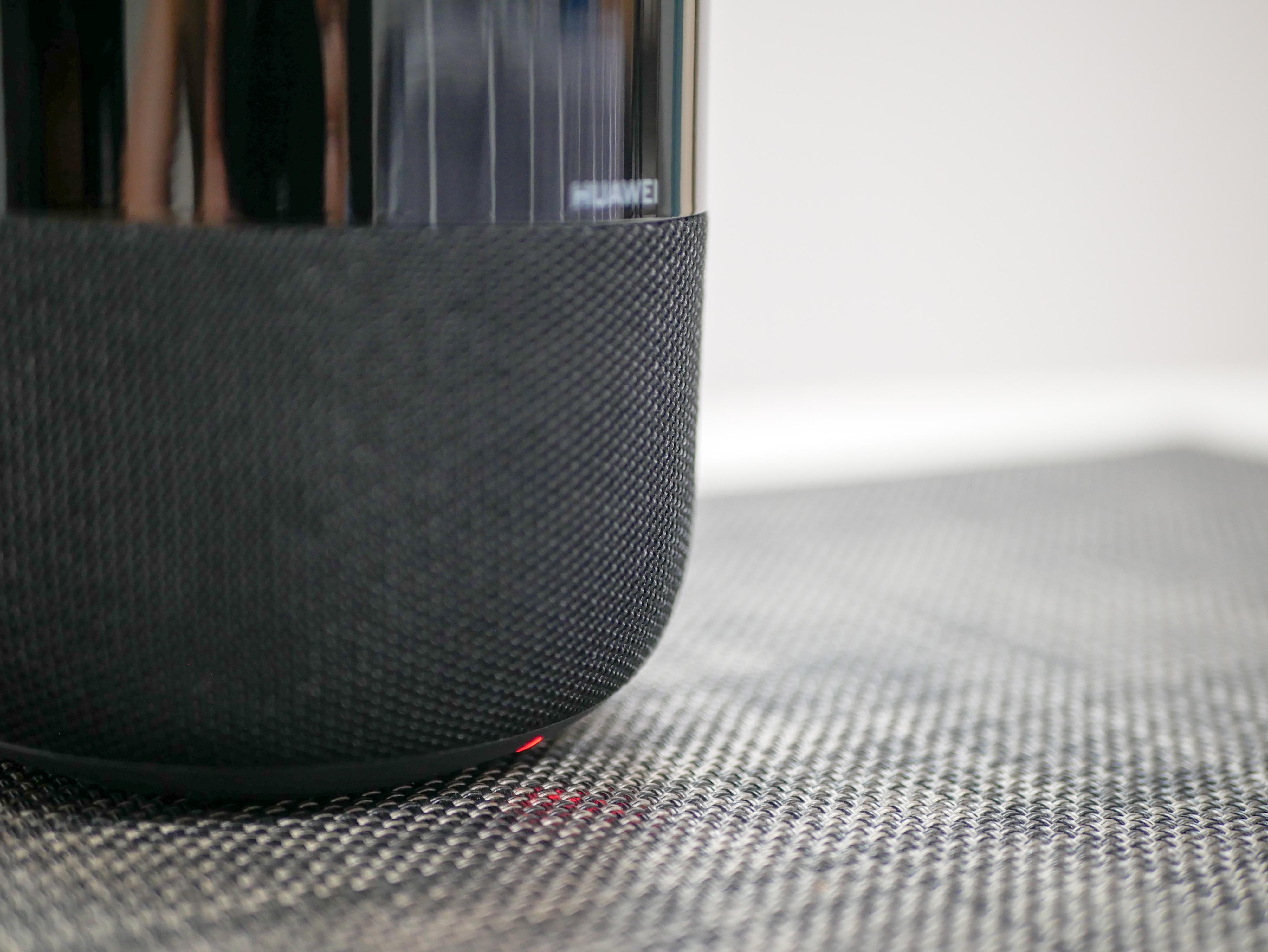 华为AI音箱2:一碰传音、音质优越、人工智能,续航是短板