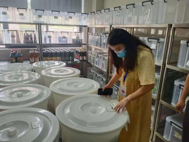 内江市市场监管局高新区分局铁腕执法确保食品安全