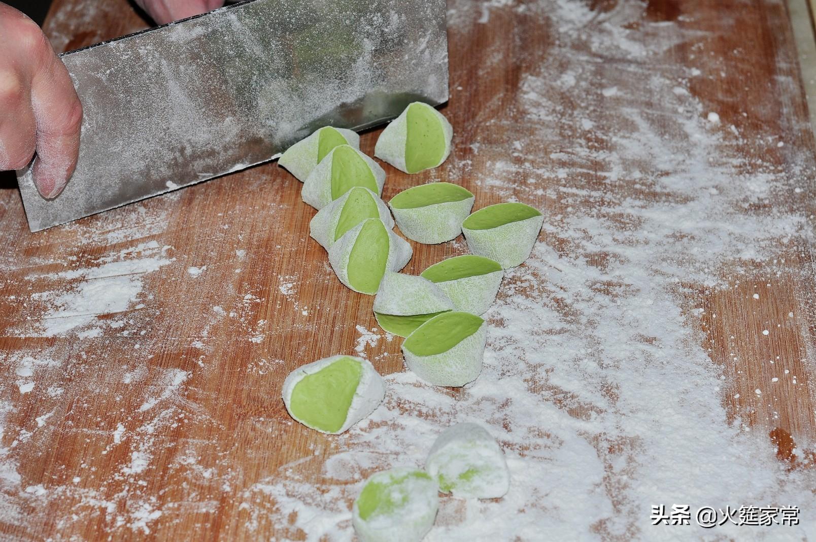 具有食疗作用的川味碧绿菠菜饺 食疗养生 第3张