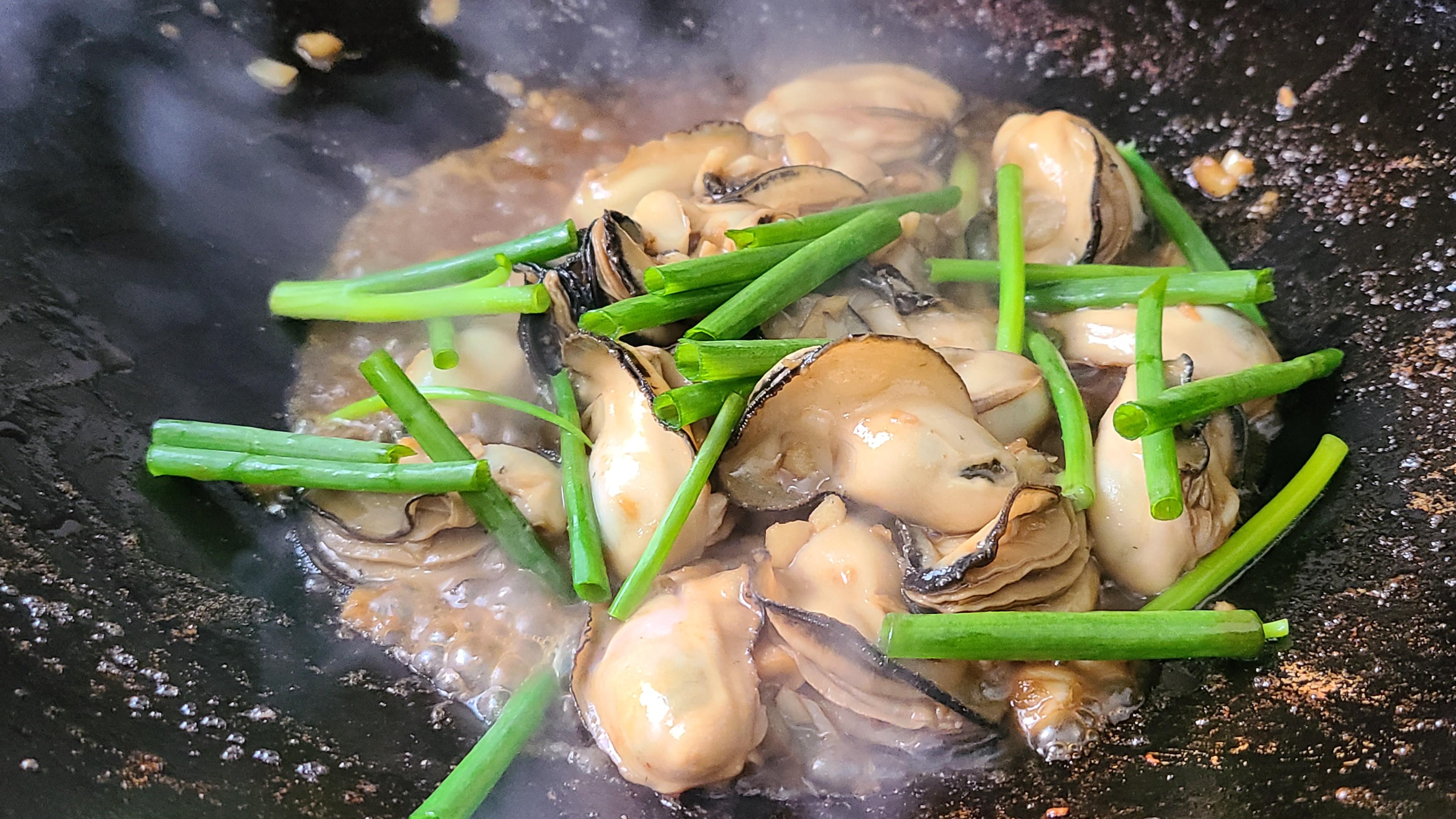 广式炒生蚝原来这么好吃,家常做法味道鲜美,看着就馋了 美食做法 第10张