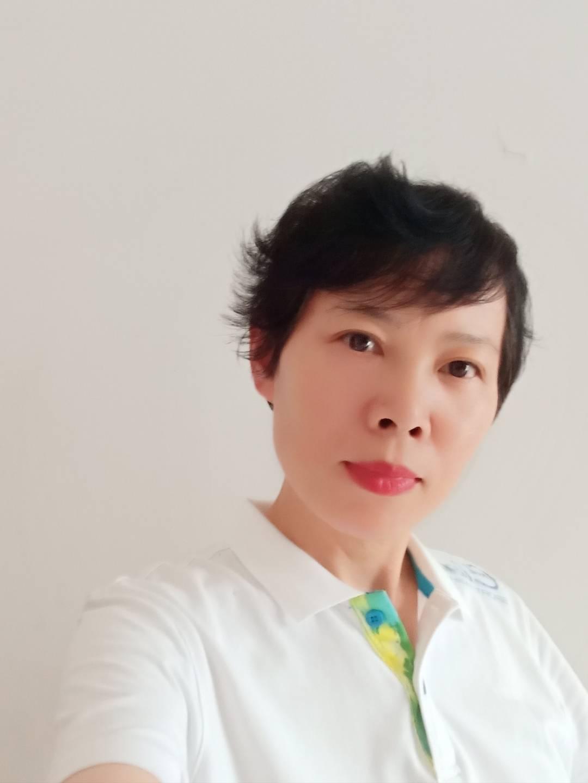 河南郑州女诗人李亚平成功签约笔若诗歌网