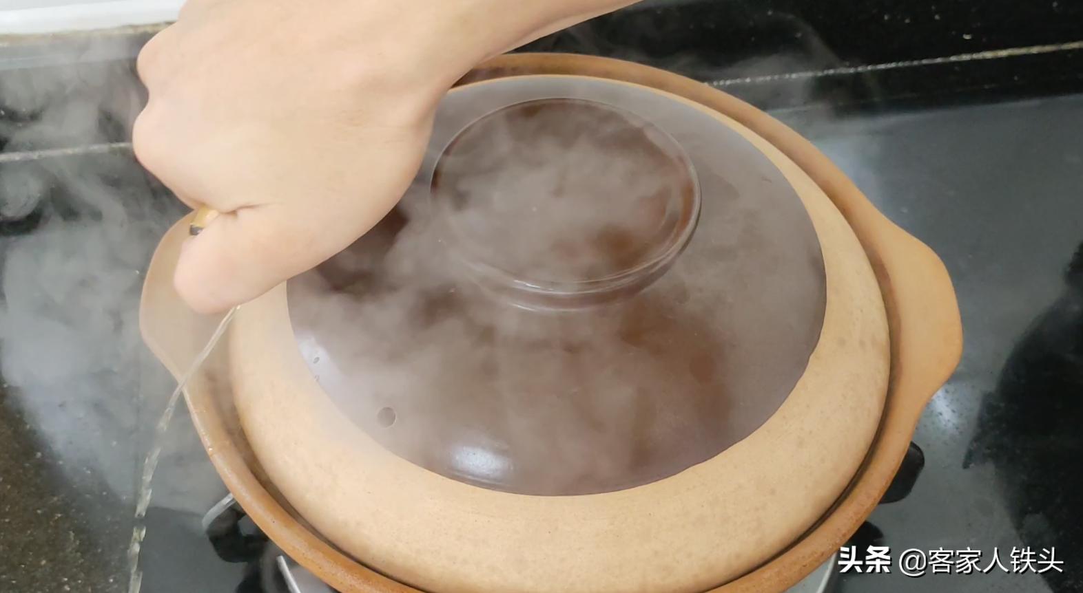 广东人焗鱼真有一套,一锅做2味,6分钟出锅,漂亮好吃待客有面子