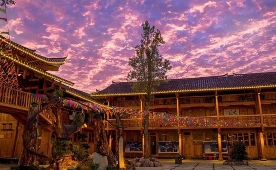 """湖南的""""網紅瑤寨"""",景色堪比鳳凰,是藏在高山上的""""天空之城"""""""