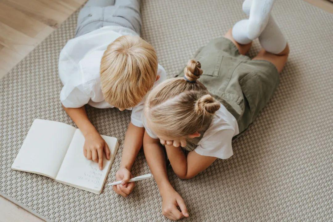 好的父母只负责爱孩子,不负责写作业