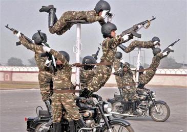 2000印军参加阅兵彩排,150人新冠阳性,约翰逊将作为贵宾亲临现场