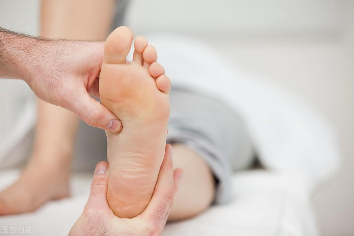 脚是人的第二心脏,中老年人日常做好3件事,强健脏腑,延缓衰老