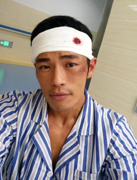 知名演员黄民安猝逝,尸检结果曝光死因,妻子受访透露抢救过程