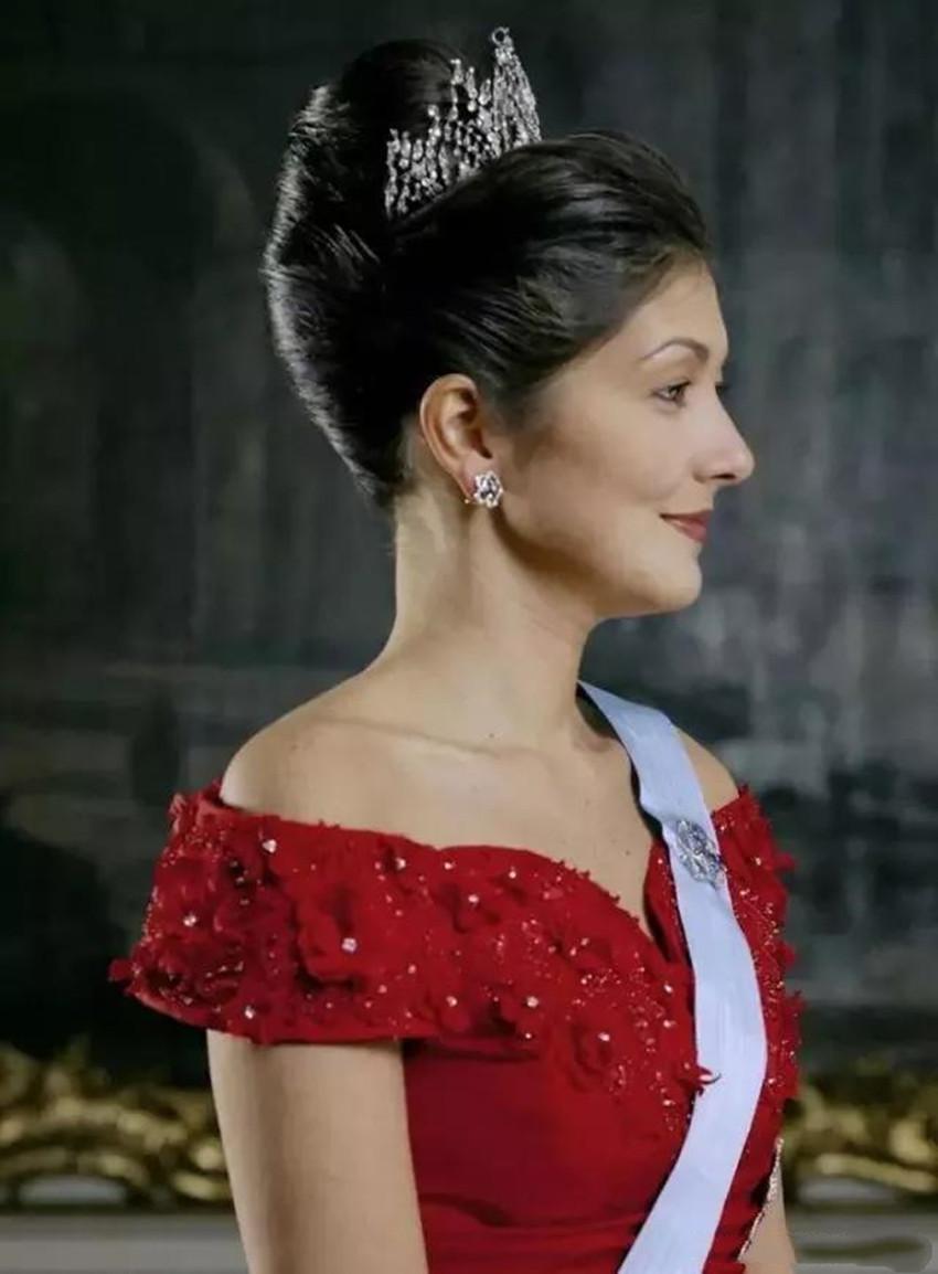 文雅丽为何不惜抛弃王妃称号及每年220万津贴,和丹麦王子离婚