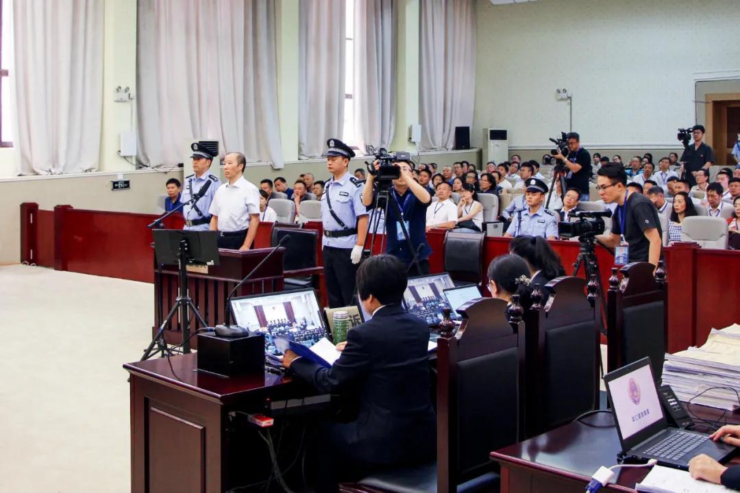 传统腐败和新型腐败交织:高压反腐的重点方向在哪儿