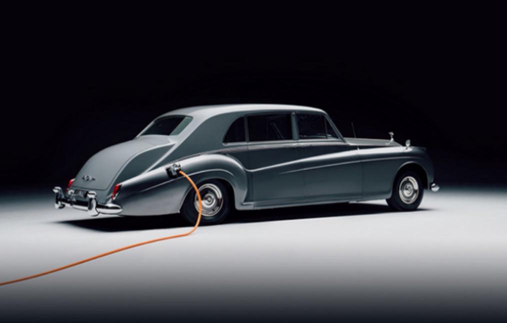 劳斯莱斯推出电动车,复古沉稳风是否有竞争力,还要打一个问号
