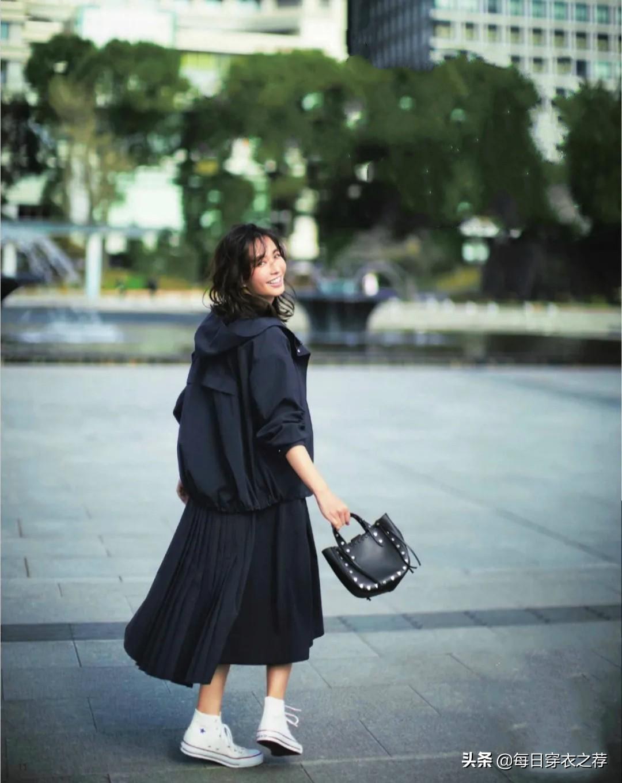 懂色彩你才美!日系美学配色穿搭套路,轻熟又有气质,错过很遗憾