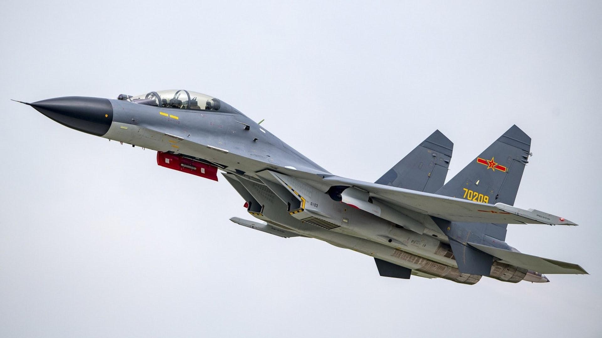 28架軍機巡航台灣西南引熱議,美媒謬稱中國空軍經驗不如俄羅斯