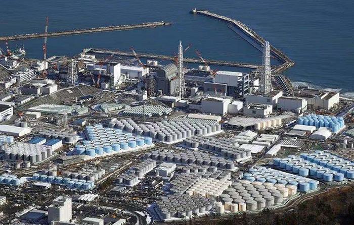 福岛核电站存有放射性物质集装箱发生泄漏 周围积水铯含量为标准值76倍