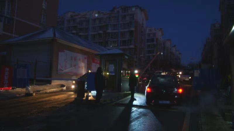 大连:金普新区格林小镇社区解封 解封不解防