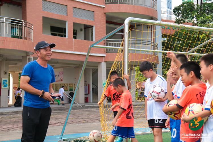 专访广东800足球俱乐部:小球员校队考试不到90分会被停训