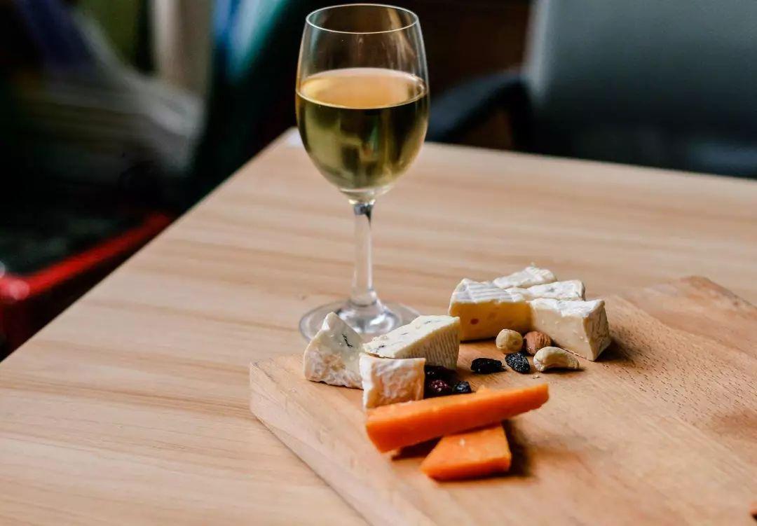 奶酪小白手册:世界奶酪冠军,教你如何吃奶酪 | 附网购清单