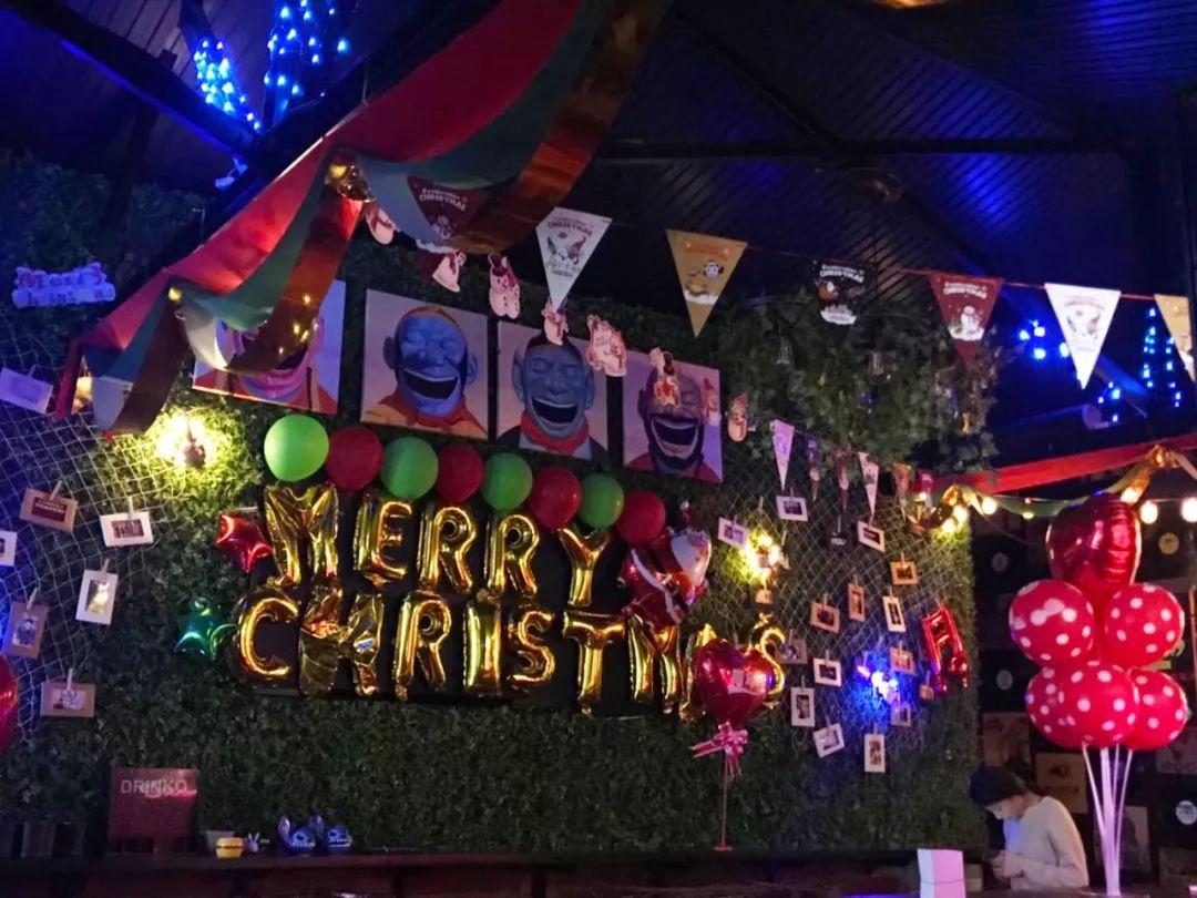 """这个圣诞不孤单,这里有多份""""圣诞狂欢""""邀请函,请查收!"""