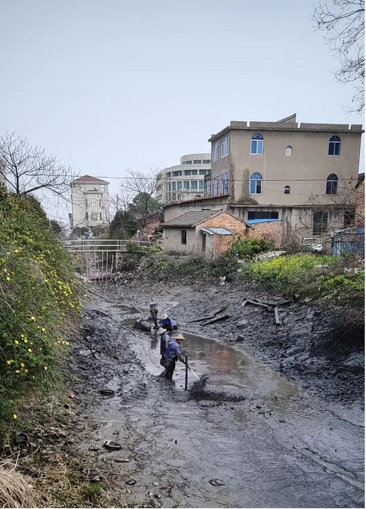 河道清淤不停歇,水清水美在行动