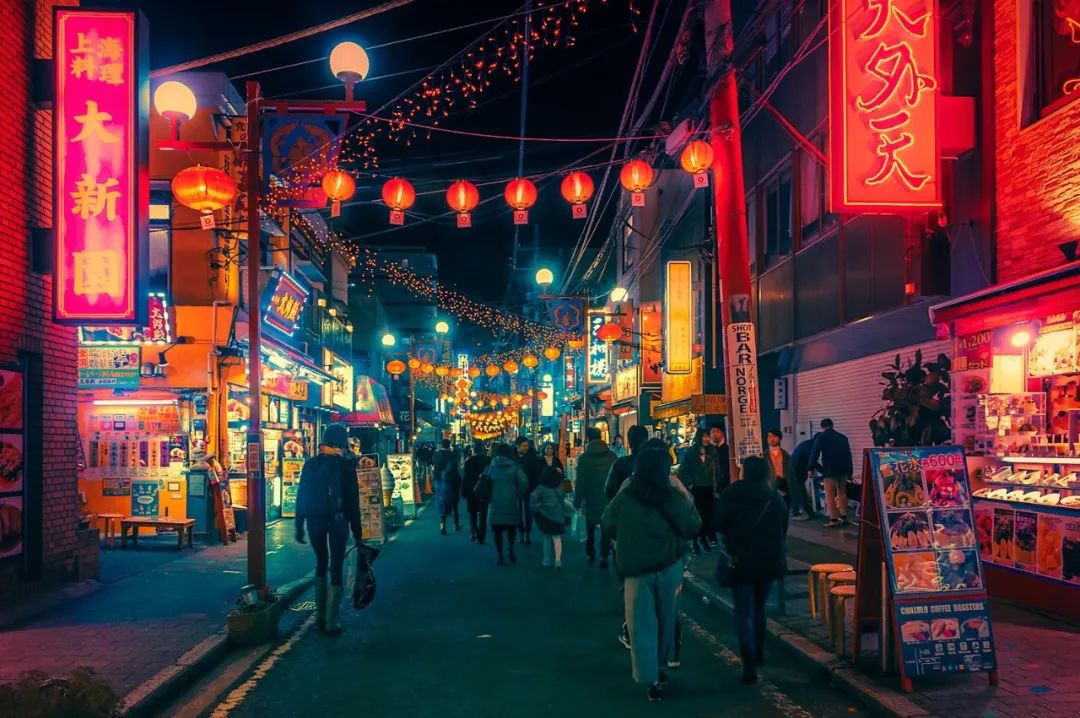 入夜后的霓光!捕捉日本东京街头上,流光溢彩的夜幕摄影